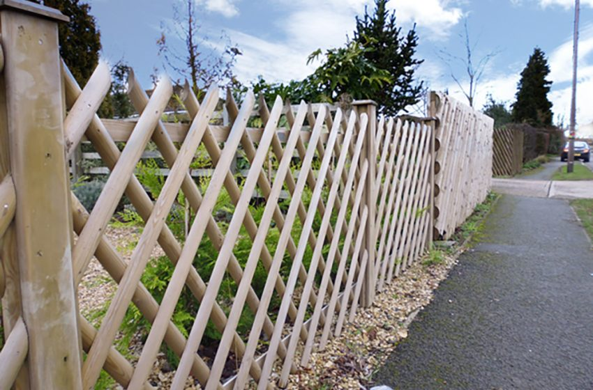 TIMBER FENCING WITH TRADA